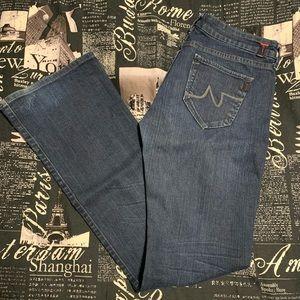 !it boot cut jeans size 28